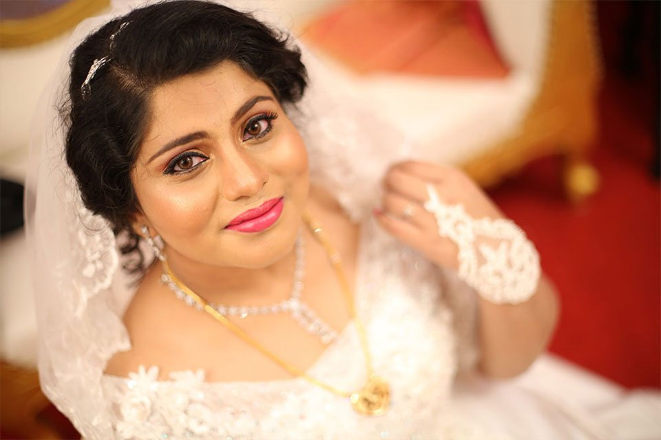 Employ a Professional Bridal Makeup Artist